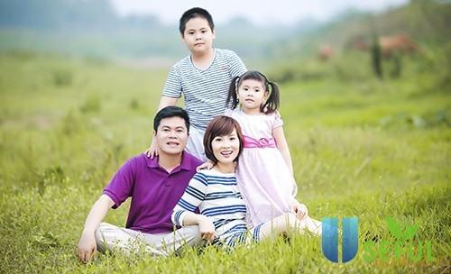 Ảnh chụp gia đình theo phong cách ấm cúng