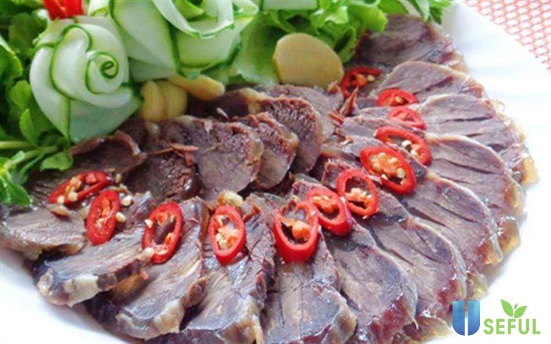 Bắp bò ngâm mắm là một công thức nấu ăn mới mẻ dành cho các tín đồ của thịt bò