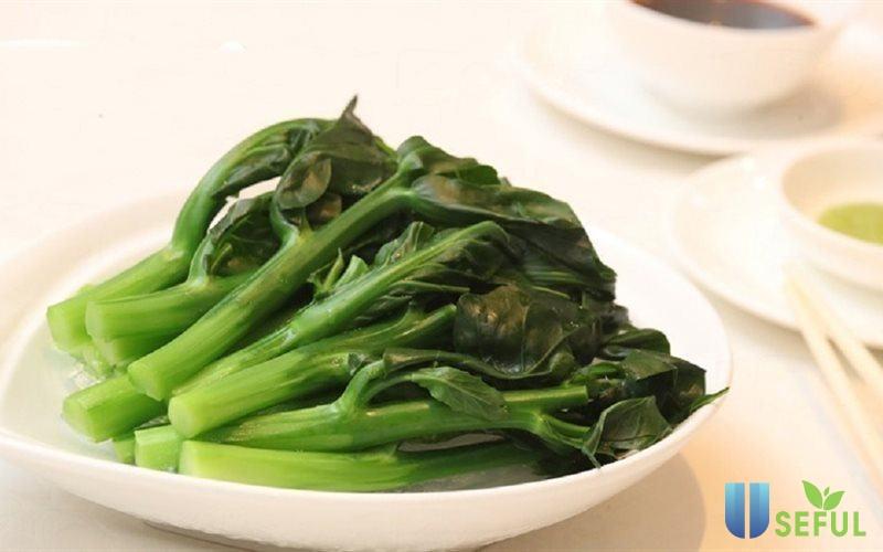 Rau xanh được chọn lựa cẩn thận ngay từ khâu nhập nguyên liệu