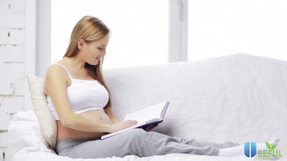Đọc sách cho bé mỗi ngày trong 3 tháng cuối thai kỳ