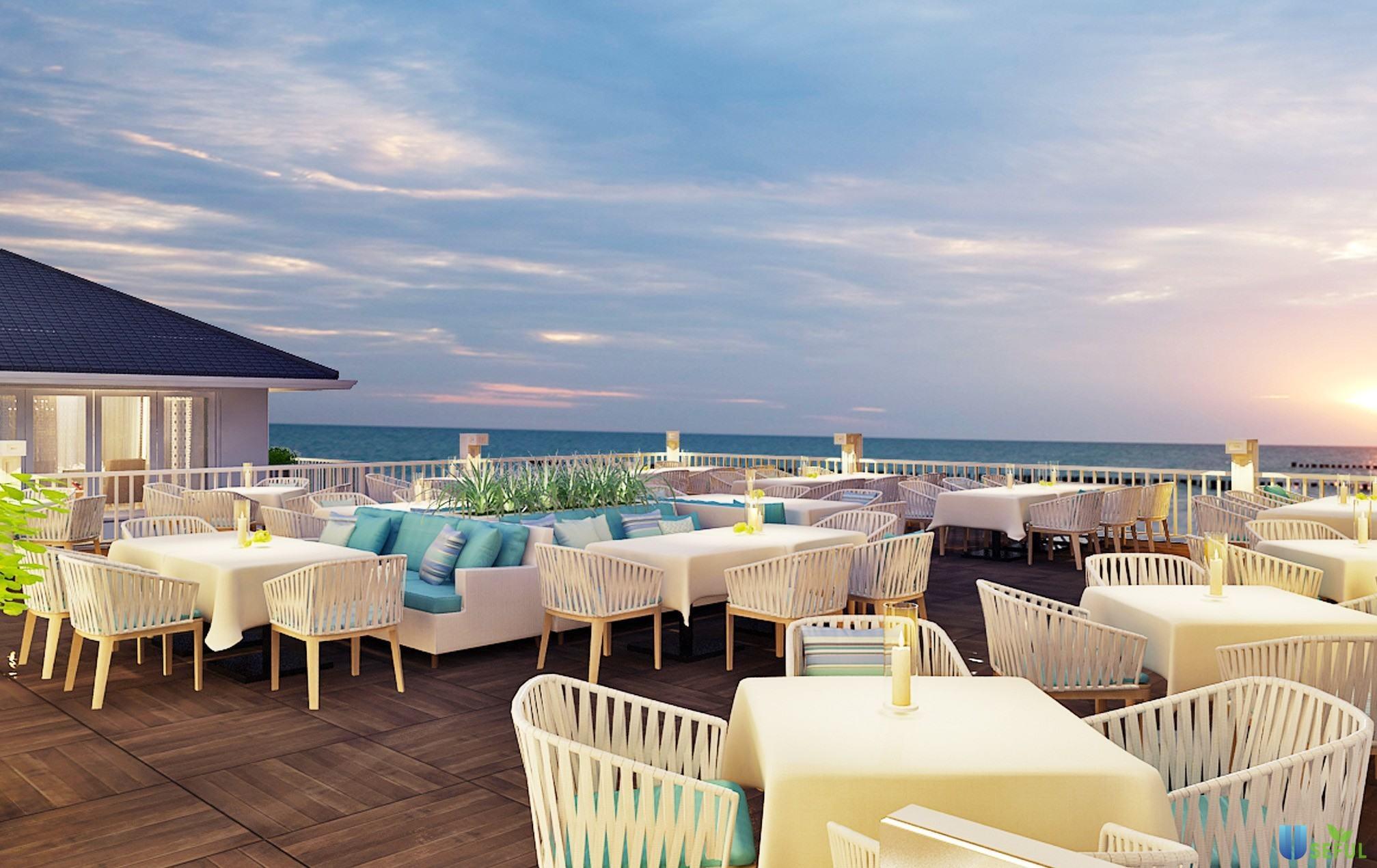 Không gian nhà hàng có hướng nhìn ra biển