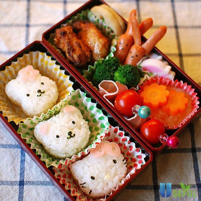 Cơm Bento hình gấu
