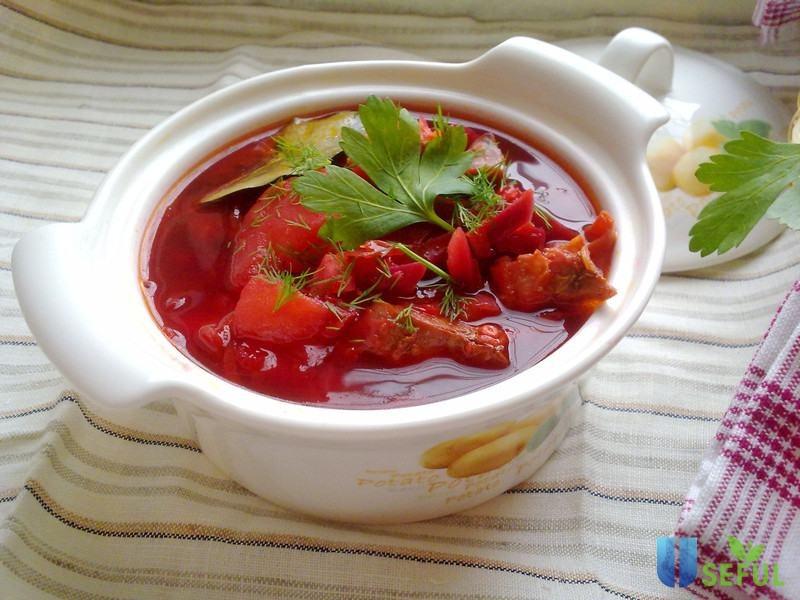 Sử dụng củ cải trắng hoặc củ cải đỏ nấu cùng với thịt bò thơm ngon