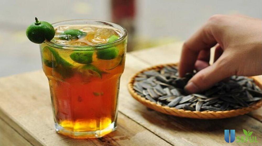 Bên cạnh trà đào thì trà tắc là món nước giải khát được bạn trẻ yêu thích