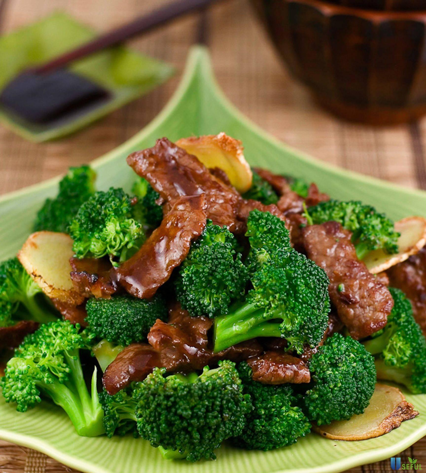 Súp lơ và thịt bò đều rất quen thuộc với mỗi gia đình