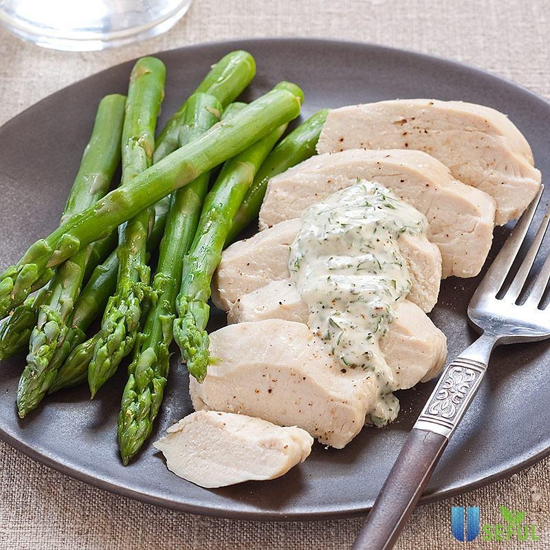 Salad gà sốt Mayonnaise kết hợp cùng các loại rau củ quả tươi ngon sẽ giúp bạn có một bữa ăn giảm cân ngon miệng