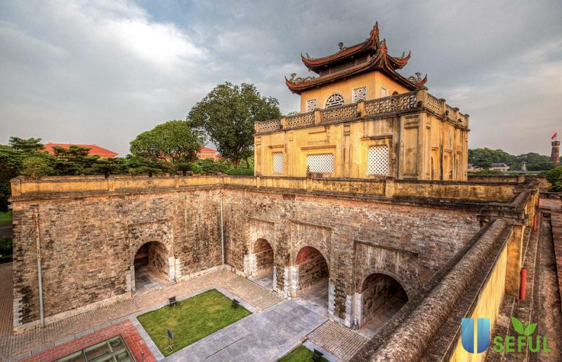 Review tham quan Hoàng Thành Thăng Long cò gì: Giá vé, Điểm checkin - Useful.vn Useful.vn