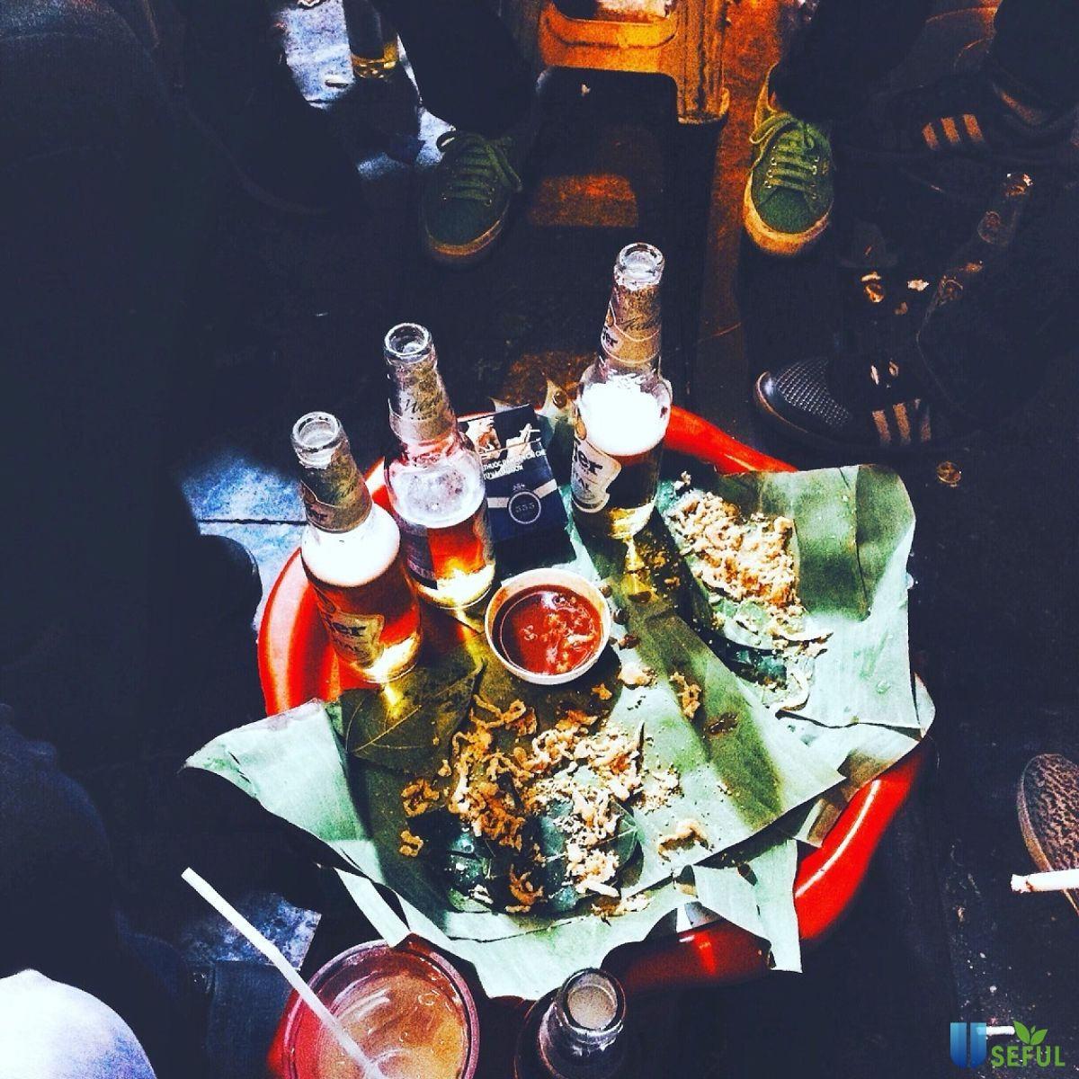 Bia cỏ Tạ Hiện
