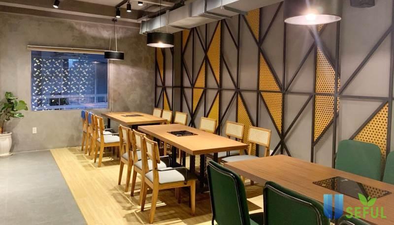 Không gian nhà hàng hiện đại, sang trọng