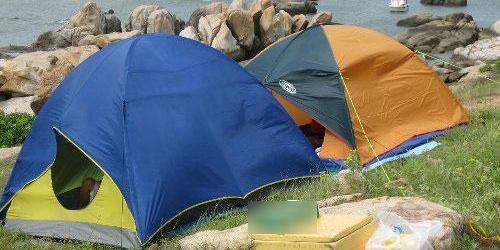 5 phụ kiện cần thiết nhất khi đi du lịch, cắm trại qua đêm