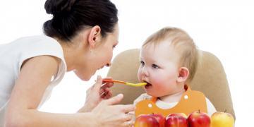 Thực đơn cho bé ăn dặm 6 tháng tuổi tăng cân từ thứ 2 tới chủ nhật