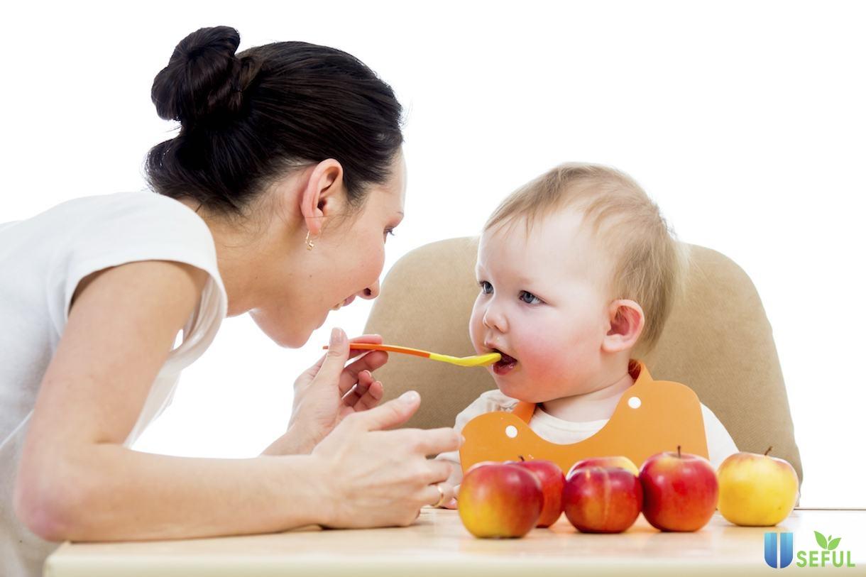 Chú ý chế độ ăn dặm khoa học cho bé 6 tháng