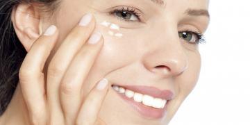 Tư vấn cách làm trẻ hóa làn da với kem dưỡng Hada Labo Pro Anti Aging