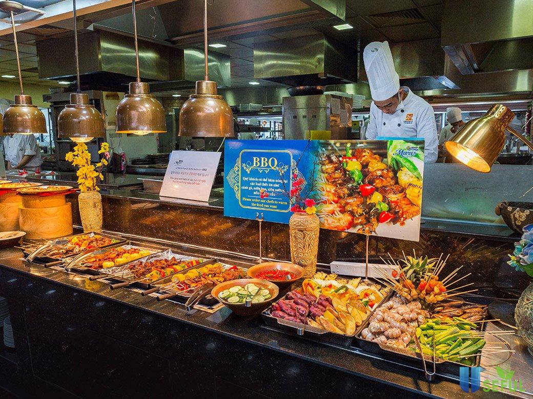 """Ẩm thực đường phố 5 châu gói gọn trong """"food tour"""" của D'Maris"""
