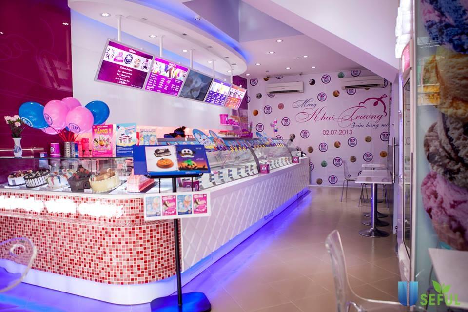 Các cửa hàng Baskin Robbins thường được lựa chọn là địa điểm vui chơi dịp lễ