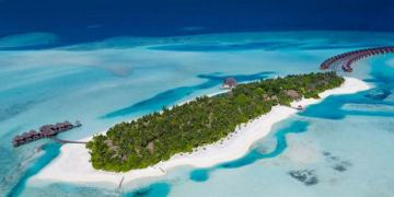 Trước khi khởi hành đến quốc đảo xinh đẹp này, bạn cần chuẩn bị đủ thủ tục xin visa Maldives theo quy định