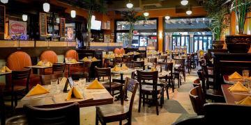 Central Restaurant tọa lạc ngay tại trung tâm thành phố là điểm ẩm thực được nhiều thực khách tin tưởng và lựa chọn. (Nguồn: havanacentral.com)