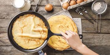 Hướng dẫn cách làm vỏ bánh Crepe bằng chảo chống dính siêu ngon thơm