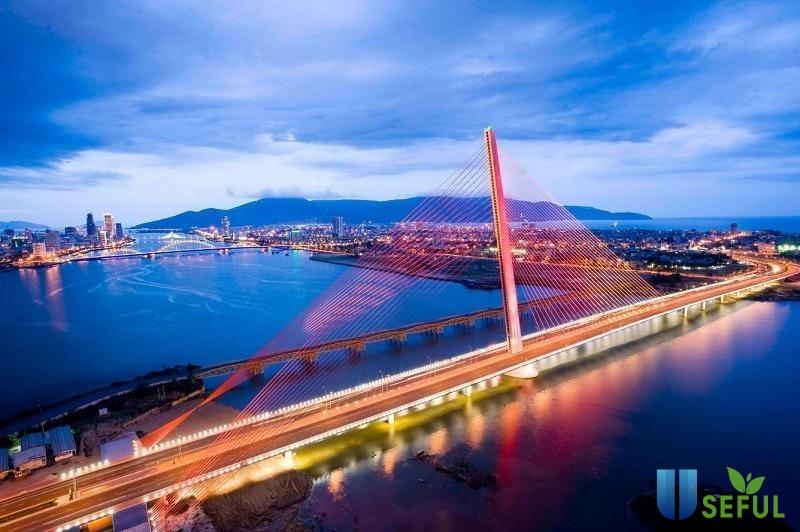 Cầu Trần Thị Lý về đêm