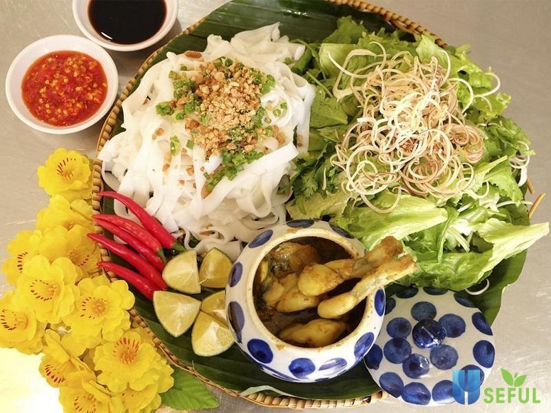 Kinh nghiệm du lịch Huế Đà Nẵng Hội An là phải checkin tại Mỳ Quảng ếch Bếp Trang