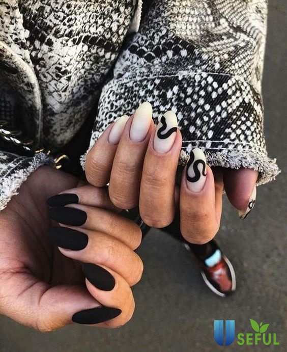 mẫu nail 2021 đính tông đen - trắng quyến rũ