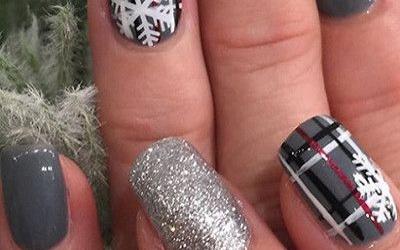 Các tiệm làm nail với nhiều mẫu nail noel mới dành cho bạn trẻ