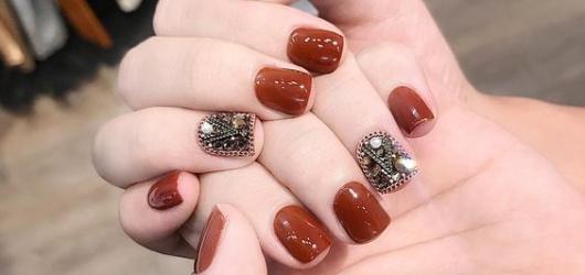 Danh sách 15 món phụ kiện làm nail tại nhà dành cho các bạn gái