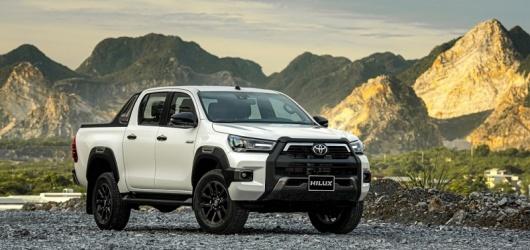 Xe Toyota Hilux 2021: Trả góp trả trước bao nhiêu? Giá lăn bánh tháng 2 2021