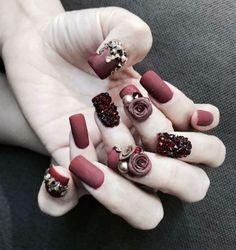 Các kiểu nail mới dành cho mùa cưới mà bạn nên tham khảo cũng như lựa chọn mẫu nail đẹp
