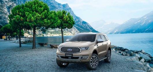 Ford Everest 2021: Nâng cấp trên đường đua, Giá lăn bánh tháng 2 2021