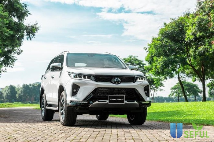 Toyota Fortuner 2021 ra mắt tại Việt Nam, giá từ 995 triệu đồng