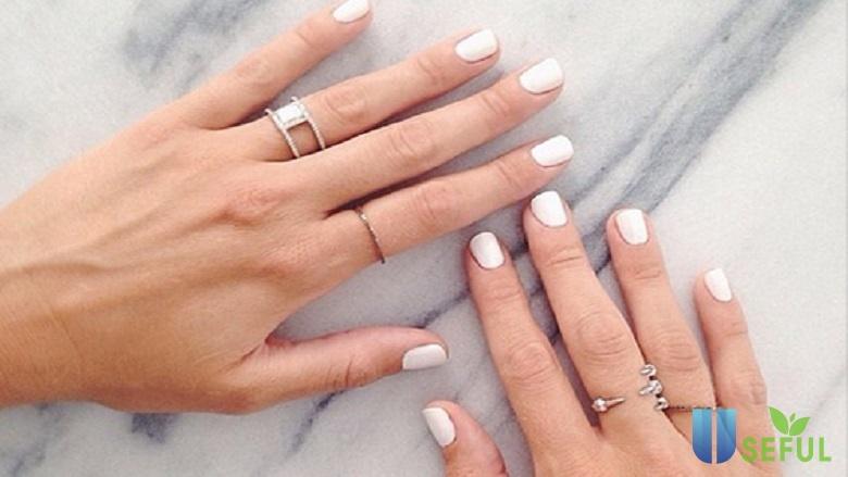 Top 7 sơn móng màu trắng được yêu thích nhất trong mùa đông