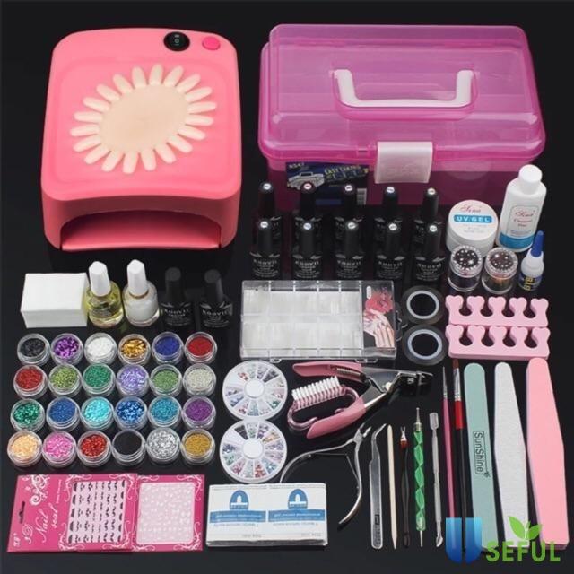 Các loại dụng cụ nghề nail cần thiết bao gồm những gì?