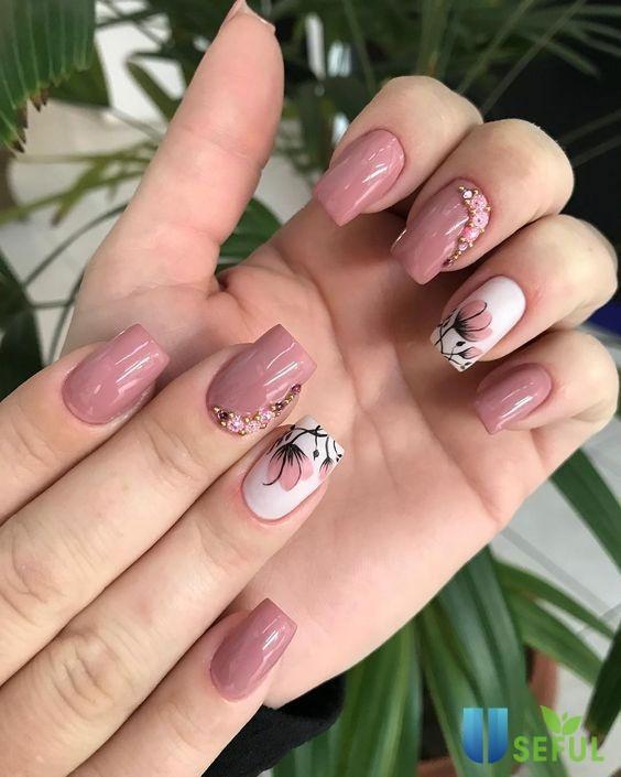 Mẫu nail ngộ nghĩnh cùng hoa xinh vintage
