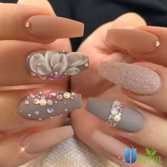 Mẫu nail hoa đính đá 2021