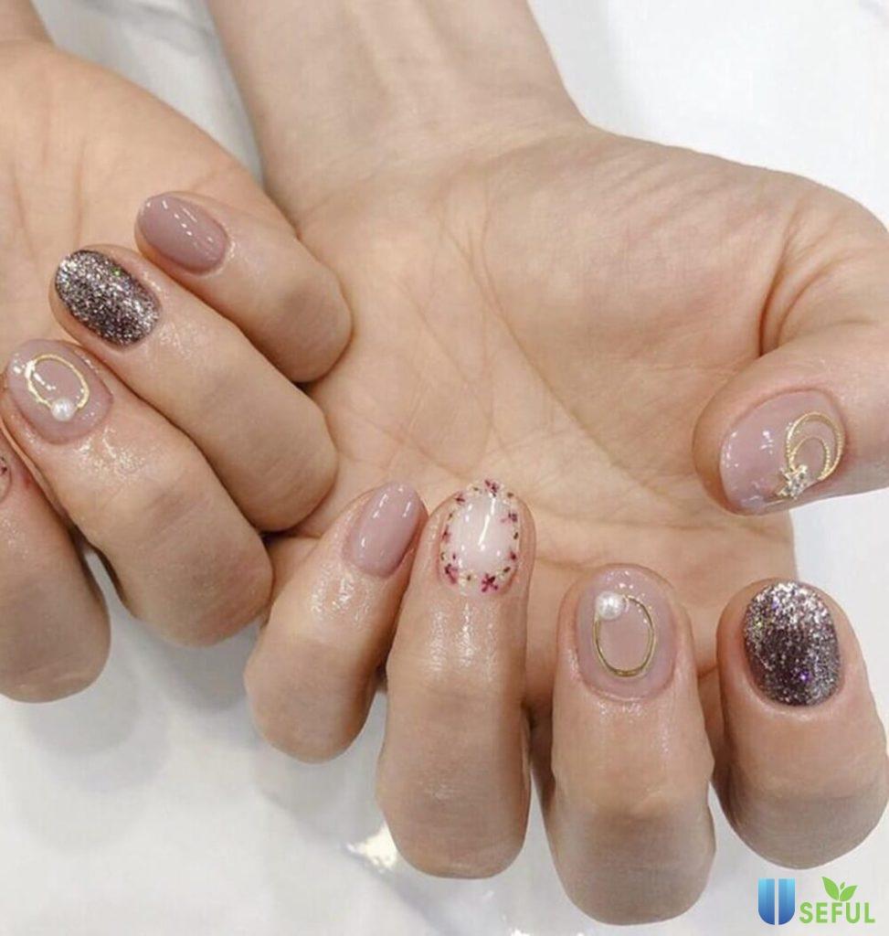 mẫu nail hoa khô