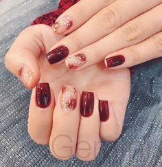 Mẫu nail màu đỏ mận trầm ấm tôn da hình 2