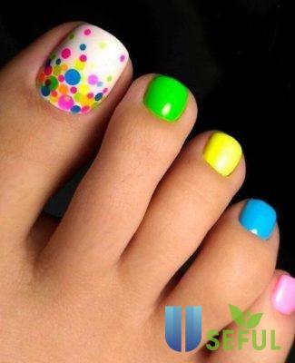 Tô điểm chân xinh với mẫu nail rực rỡ ngày hè