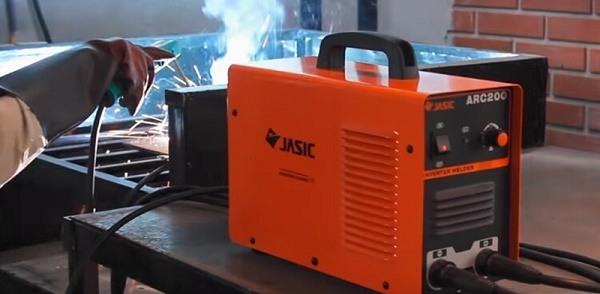 Máy hàn Jasic ARC 200 hàn ổn định, mối hàn đẹp - Dichvuhay.vn