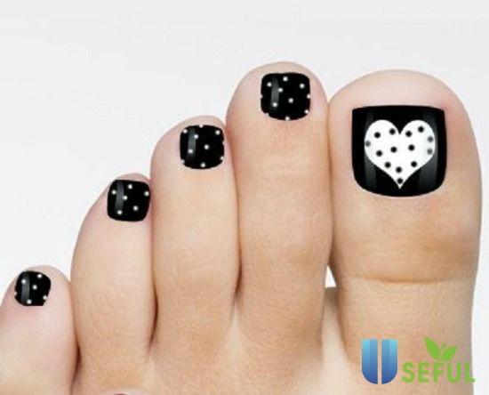 Mẫu nail chân chấm bi đẹp