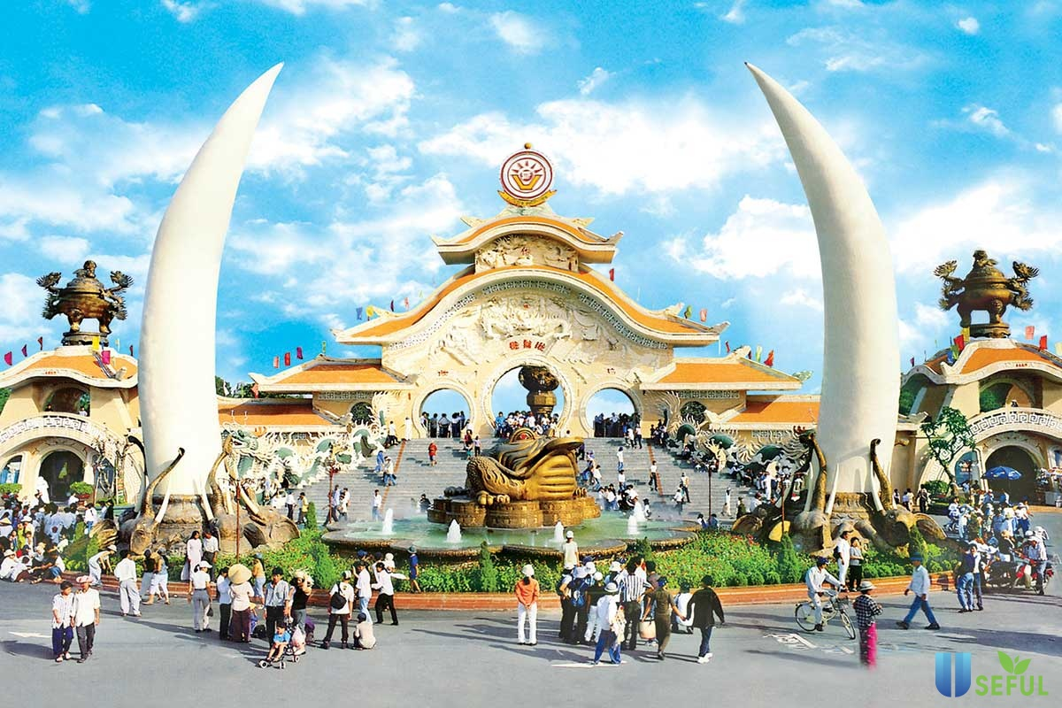 Suối Tiên là điểm vui chơi thân thuộc đối với nhiều người (Nguồn: triphunter.vn)