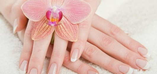 Các cách chăm sóc móng tay và dưỡng da tay không bị khô ráp vào mùa hè