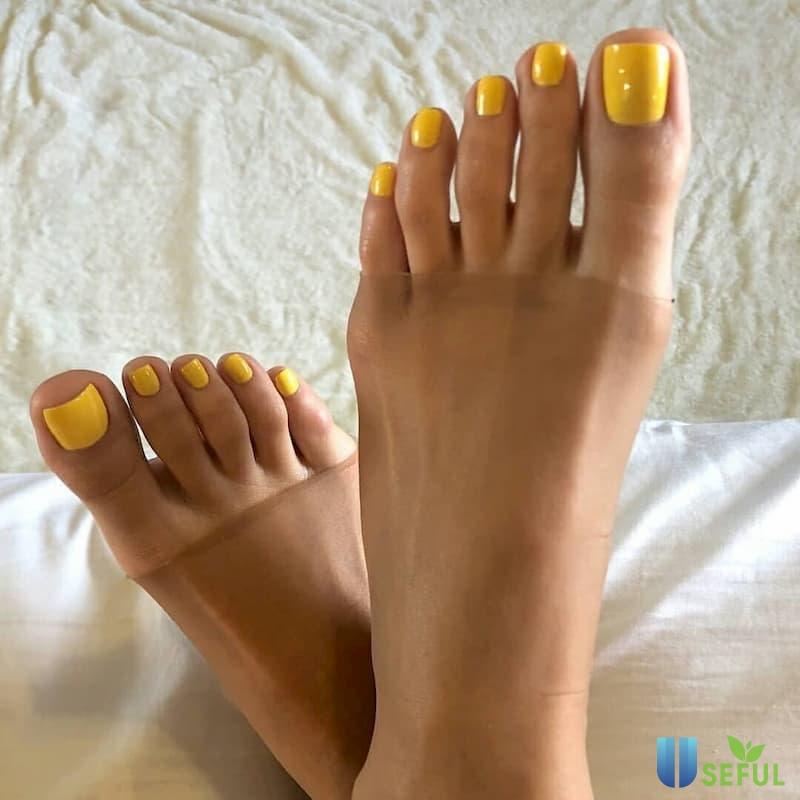Mẫu nail chân đẹp cho da ngăm đen