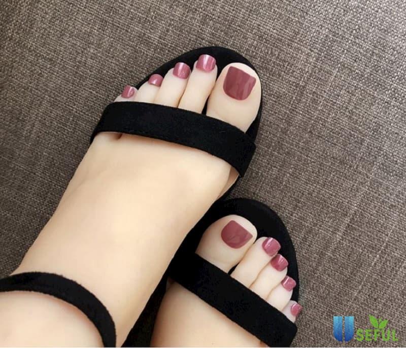 Mẫu nail chân đẹp tôn da trắng
