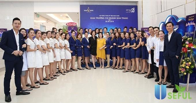 Ngọc Dung chi nhánh Nha Trang kín khách ngày khai trương - VnExpress Sức khỏe