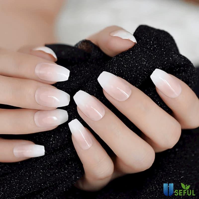 Mẫu nail ombre trắng hồng