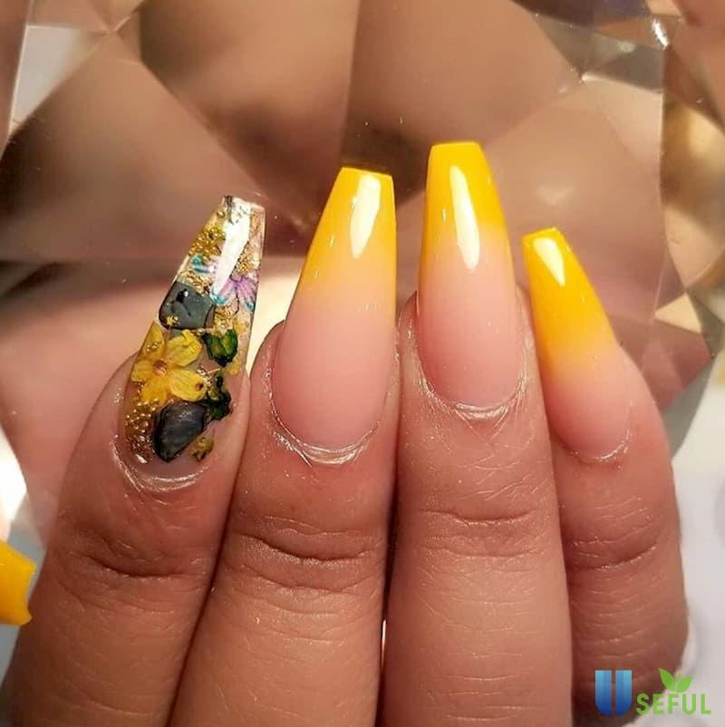 Mẫu nail ombre tone vàng cách điệu