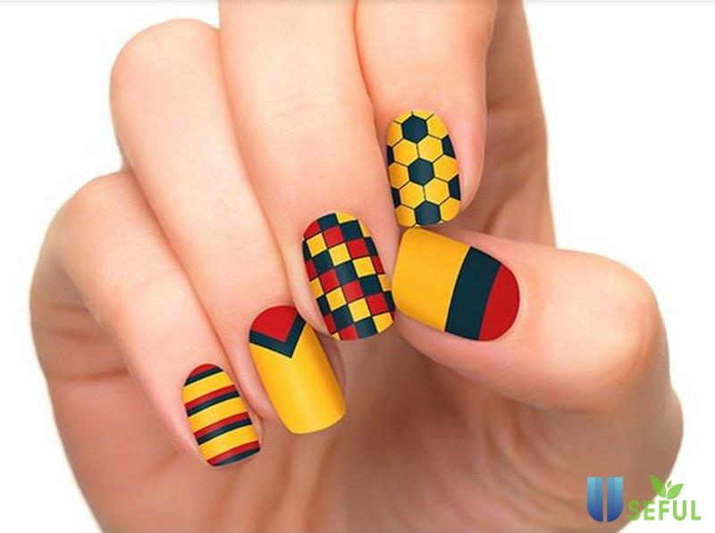 Những mẫu nail siêu ấn tượng dành cho CĐV World Cup 2018