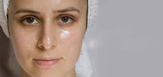 Cách dưỡng da mặt tại nhà hiệu quả đánh bay mụn cám chỉ với vài bước