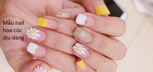 Trọn bộ mẫu nail hoa cúc dịu dàng làm cho nàng thêm phần duyên dáng